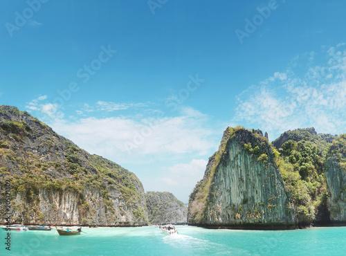 Plexiglas Konrad B. Beautoful asian landscape of a rainforest and an ocean