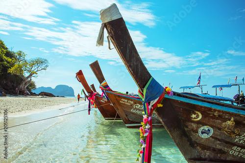 Plexiglas Konrad B. Asian landscape - lots of fishing cutters