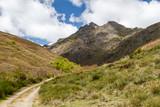 Camino y Pico Gaya de Cueto. La Baña, Comarca de La Cabrera, León, España. - 205176596