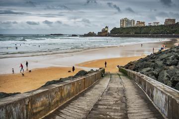 Promenade le long de la Côte des Basques. © pixels_of_life
