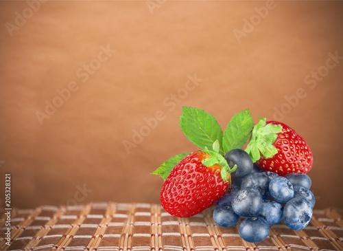 Berry. - 205328321