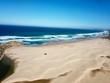 désert de sable et océan