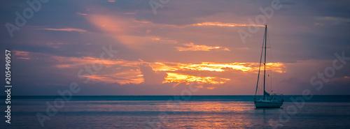 Aluminium Zeilen Sailboat at sunset
