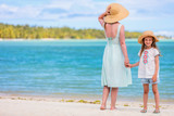 Mother and daughter on vacation - 205589112