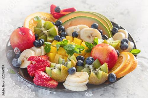 Foto Murales Fruit and berries platter.