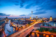 Leinwanddruck Bild - Berlin Mitte Skyline bei Nacht mit Fernsehturm und Blick über die Spree