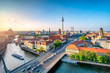 Berlin Mitte Skyline mit Fernsehturm und Spree