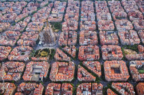 fototapeta na ścianę Aerial view of Barcelona Eixample residencial district and Sagrada familia, Spain. Late afternoon light