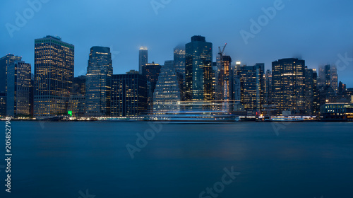 Skyline Manhattan New York di sera