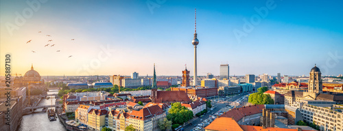 Leinwandbild Motiv Berlin Skyline mit Nikolaiviertel, Berliner Dom und Fernsehturm