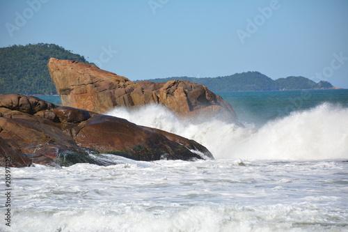 Foto Murales Puruba beach in Ubatuba, SP, Brazil