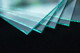 Sheets of Factory manufacturing tempered clear float glass panels cut to size - 206054117