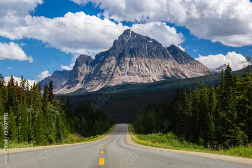 Mount Fitzwilliam w Park Narodowy Jasper, Kolumbia Brytyjska, Kanada