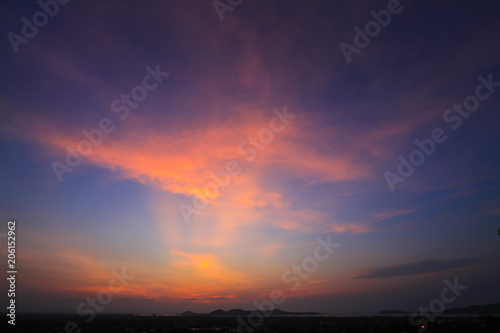 Canvas Aubergine Beautiful sky at twilight time for background