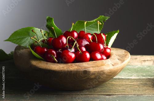 Foto Murales wooden basket with cherries