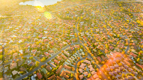 Canvas Honing Aerial view of a typical Australian suburb