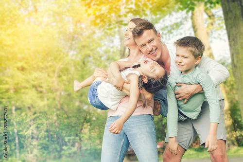 Familie macht zusammen Urlaub