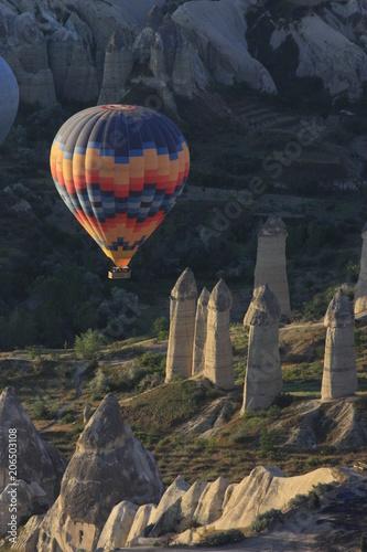Volando en globo sobre Goreme, Capadocia - 206503108