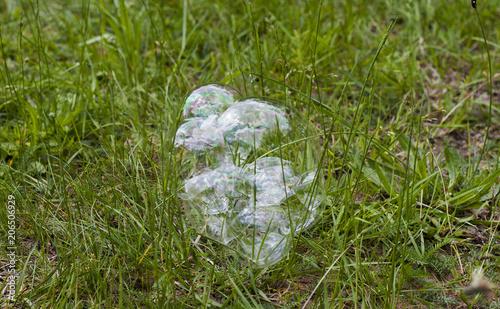 Aluminium Groene soap bubbles on the grass