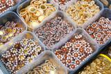 Boutons fantaisies avec perles - 206659120