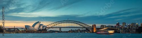 fototapeta na ścianę Sydney harbour at dusk, Sydney NSW, Australia