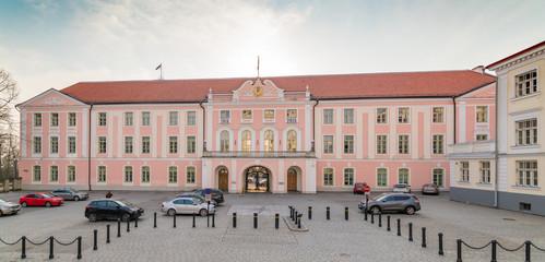 Sitz des estnischen Parlaments auf dem Domberg in Tallinn