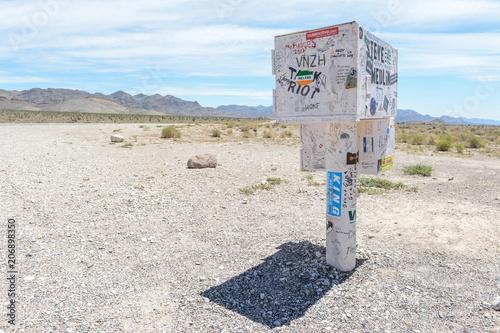 Plexiglas UFO Boite aux Lettres Blackbox originale près de la Zone 51 dans le désert du Nevada aux USA