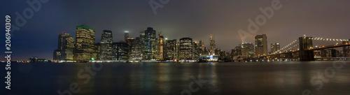 New York Skyline di sera con ponte di Brooklyn © Gianfranco Bella