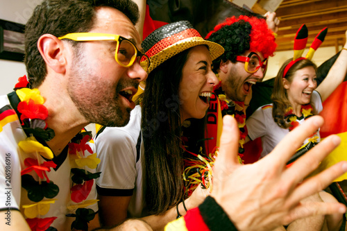 Leinwanddruck Bild Deutsche Fußball Fans Jubeln