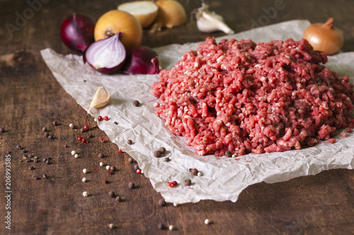 Raw ground meat with onion, garlic, pepper - 206993585