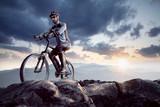 Mountainbiker am Gipfel