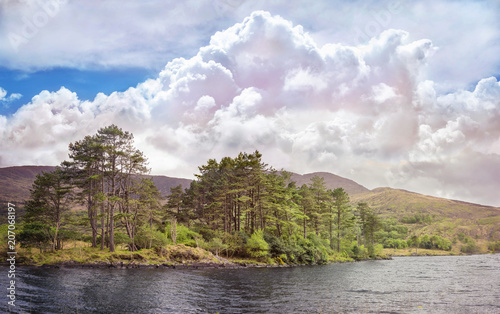 Canvas Blauwe hemel Beautiful landscape with body water and cumulus clouds