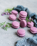 french macarons with lavender flavor - 207108591
