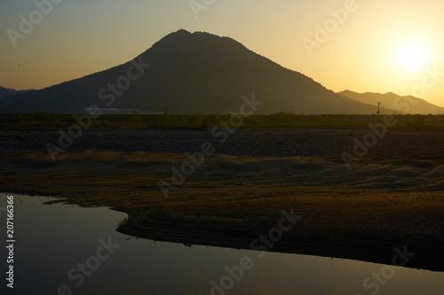 Fotobehang Zwart 三上山からの朝日