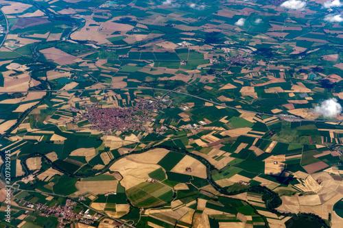 Fotobehang Groen blauw po river lombardia farmed field aeriel landscape