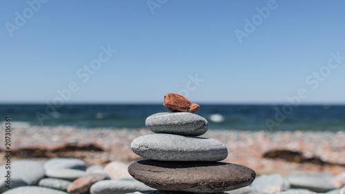 Fotobehang Zen Stenen Stacked beach stones