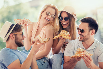Friends and pizza