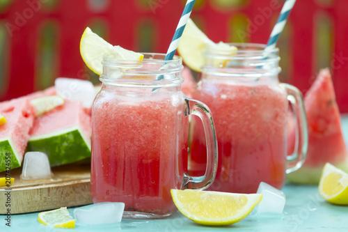 Aluminium Sap slice of watermelon and fresh watermelon juice