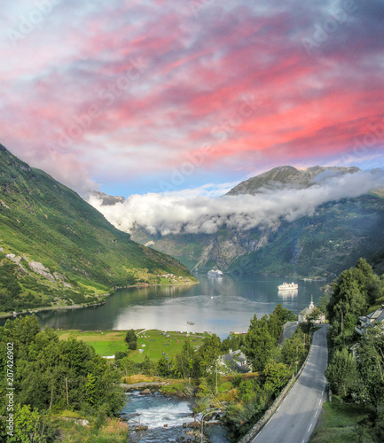 Aluminium Lichtroze Beautiful view of Norway Fjord
