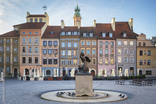 Fototapety, obrazy : Mermaid statue Syrenka of Warsaw Old Town Market Square