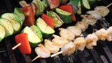 spicy shrimps and vegetables skewers kebab on the bbq grill   - 207439994