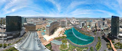 Foto Spatwand Las Vegas AERIAL VIEW OF LAS VEGAS, NEVADA. DRONE SHOT.