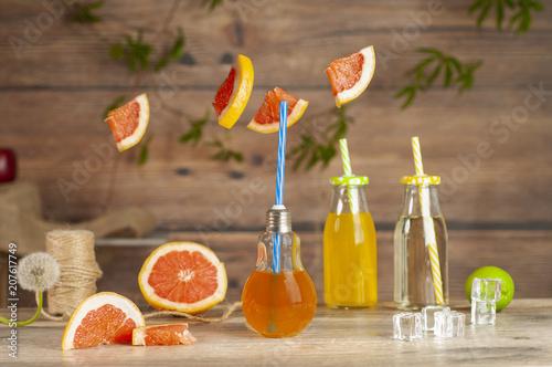 Fotobehang Sap sok i świeże plastry grejfruta