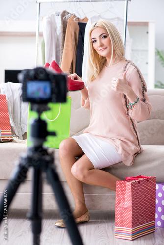Leinwanddruck Bild Fashion blogger recording new video for her vlog