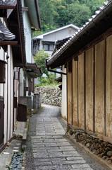 愛媛県内子の路地 © KEIKOLovesNature