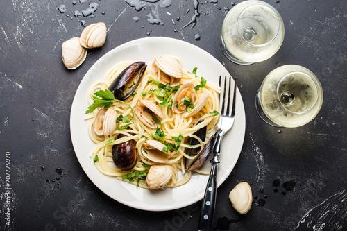Fototapeta Spaghetti with seafood