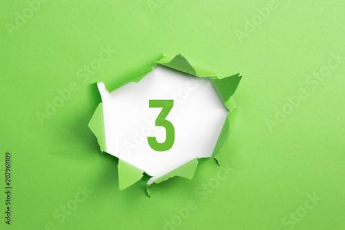 Leinwanddruck Bild gruene Nummer 3 auf gruenem Papier