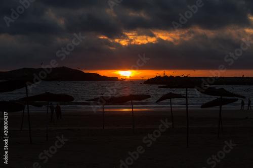 Fotobehang Zwart Spectacular sunset in Essaouira