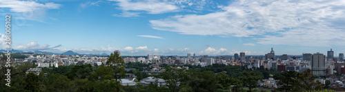 Fotobehang Blauw 仙台城跡から見下ろす仙台の街並み パノラマ