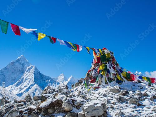 Leinwanddruck Bild Himalaya mountain views on route to Everest Base Camp